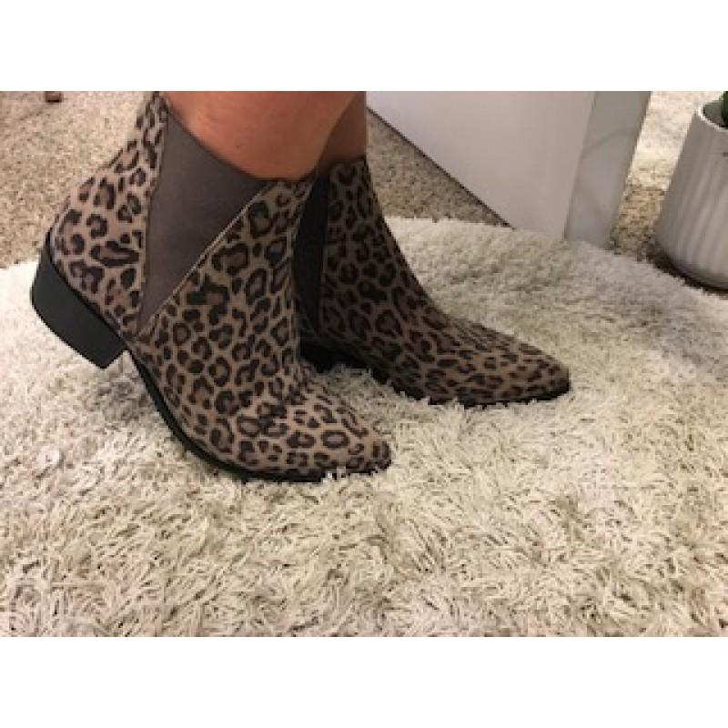 Pavement Karen Leopard Suede