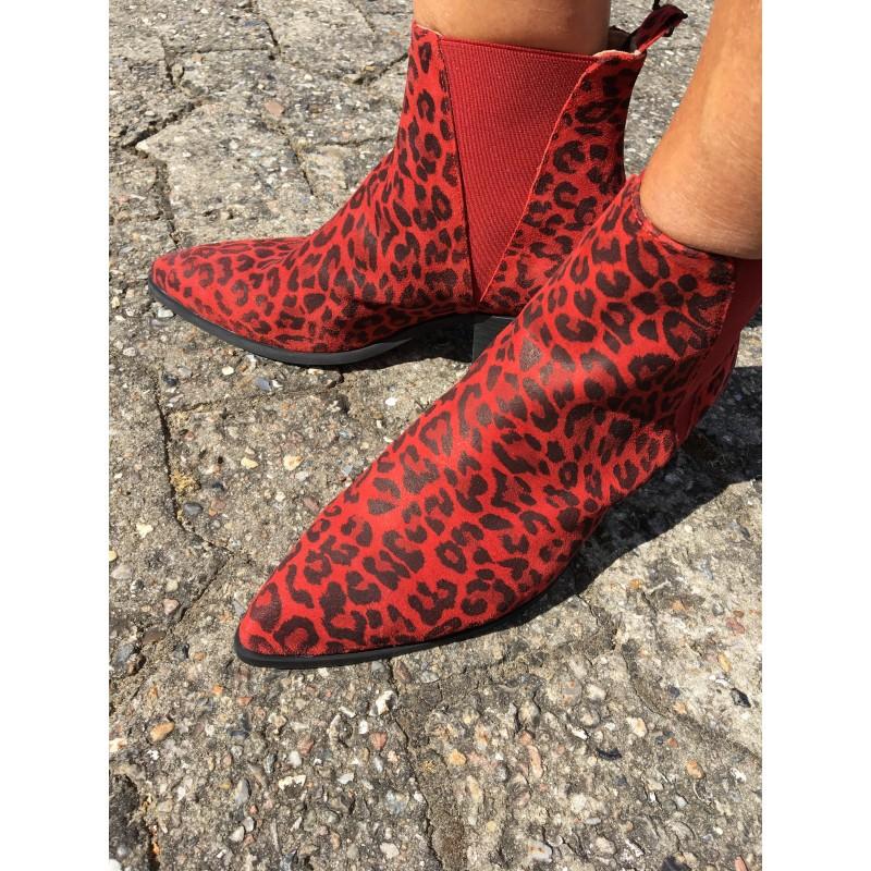 Pavement Karen Red Leopard Suede Red